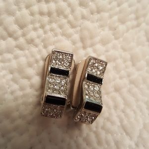 Vintage kenneth jay lane elegant clip on earrings